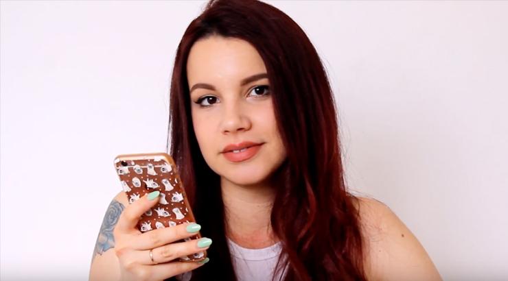 Elena la youtuber che legge le Pancine